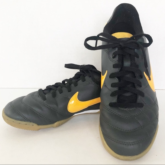 90d781d830b4 Nike Shoes | Tiempo Rio Youth Indoor Soccer | Poshmark